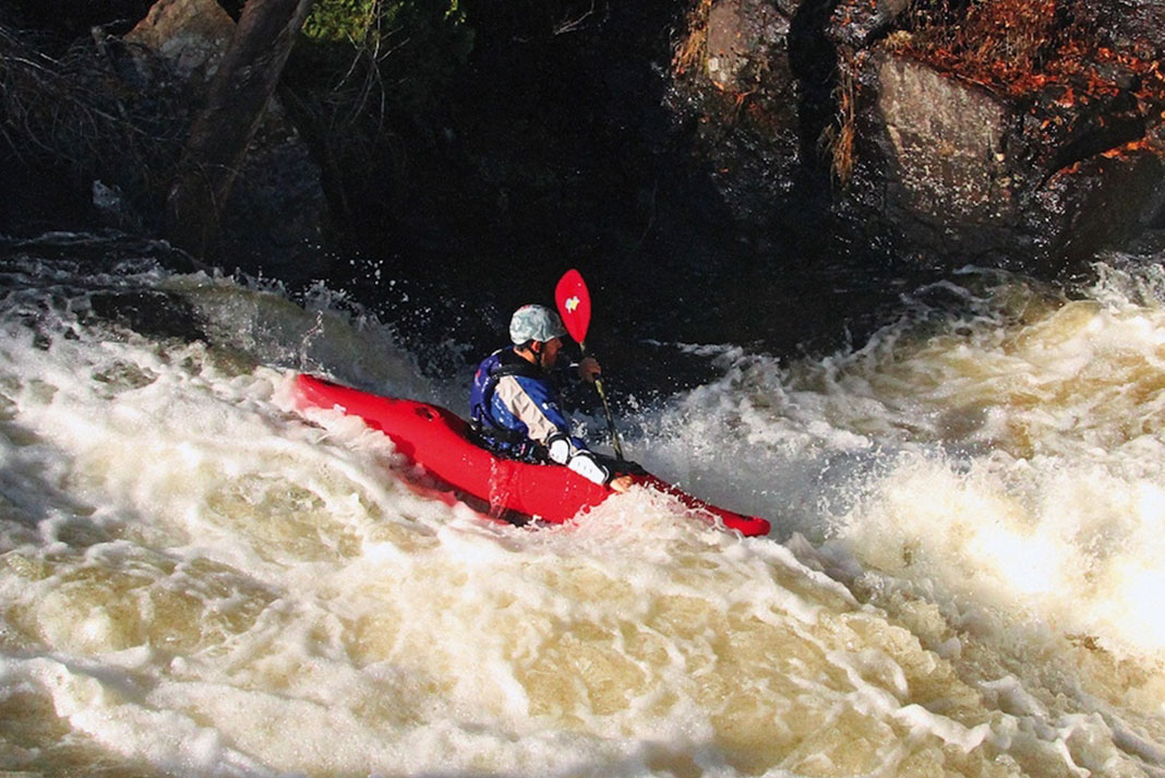 Whitewater kayaking in the updated Dagger Mamba