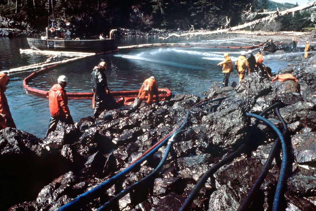 the united states coast guard cleaning up an oil spill in Exxon Valdez