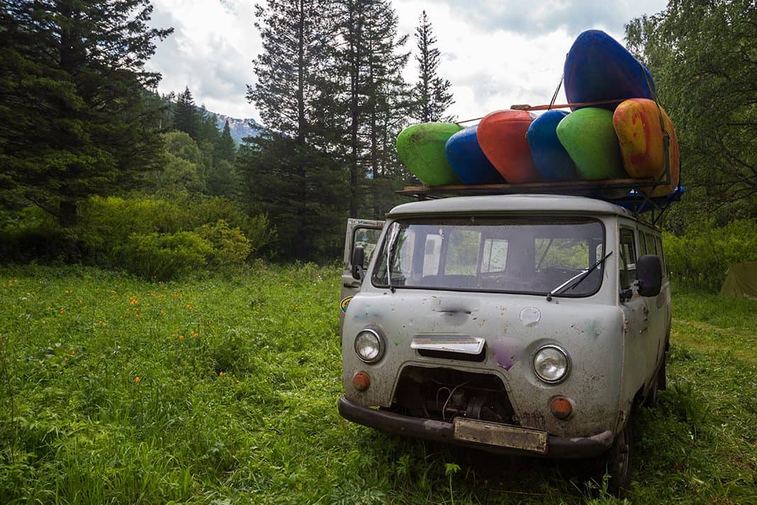 7 Essential Items For Kayak Road Trips