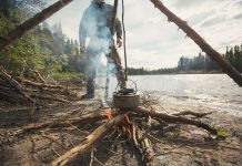 fake bushcrafters tripod cooking technique