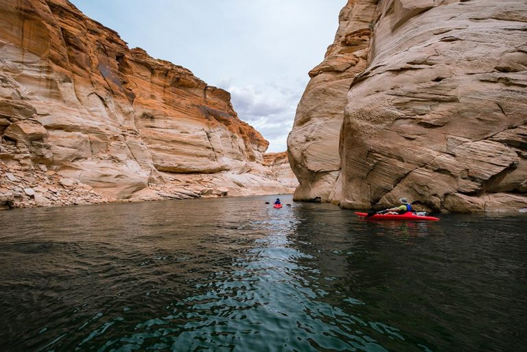 You'll Be Surprised By The Beautiful Paddling Experiences Lake Powell Offers